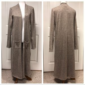 NEW AGNES AND DORA COZY BEIGE DUSTER WITH POCKETS